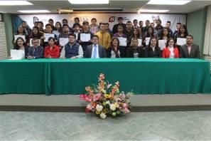 ITESA entrega becas a 43 estudiantes5