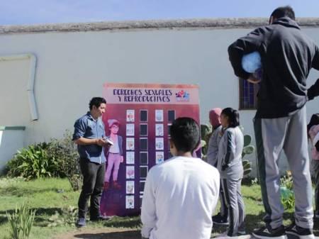 Lleva Instituto de la Juventud Feria de la Sexualidad a bachilleres de Mineral de la Reforma