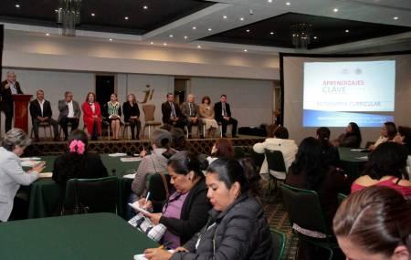 """Mediante taller """"Avanzando Hacia la Autonomía Curricular2"""