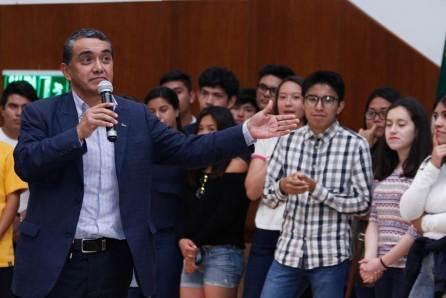 Motivan en UAEH a jóvenes para elegir carrera adecuada4