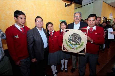Realizan Concurso de Expresión Plástica De Símbolos Patrios