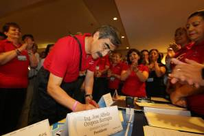 Académicos eligen a Octavio Castillo como nuevo líder del SPAUAEH