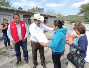 Campesinos de Tepehuacán de Guerrero reciben apoyo3