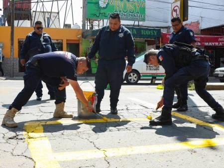 Elementos de Tránsito y Vialidad de Tizayuca implementan programa de balizamiento1