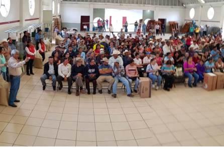 Entrega Santiago Tulantepec paquetes de autoconsumo2