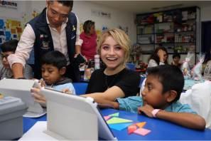 Karol Sevilla convive y firma autógrafos a niñas y niños con cáncer; evento en apoyo al Albergue del Hospital Niño DIF