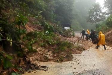 Lluvias causan daños en municipios de la sierra de Molango2
