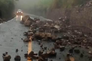 Lluvias causan daños en municipios de la sierra de Molango3