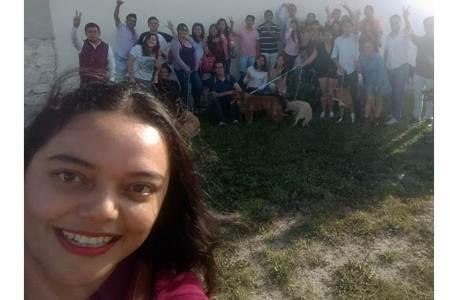 Roxana Montealegre visita refugio de animales Adopta un peludito2