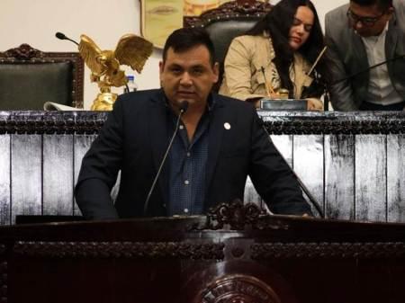 Víctor Guerrero propone en el Congreso que violencia política de género sea delito