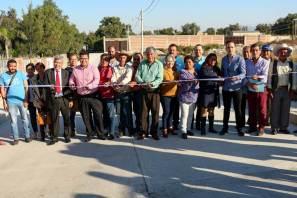 Alcalde de Tizayuca inaugura pavimentación hidráulica en La Posta