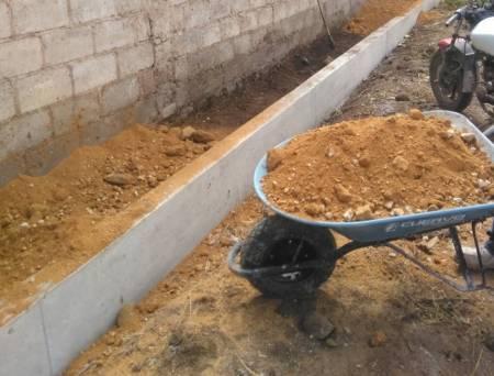 Construyen guarniciones y banquetas en La Explanada; Santiago Tulantepec2