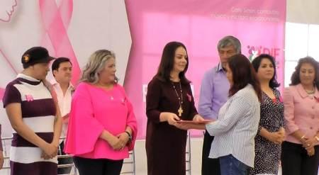 Encabeza Nuvia Mayorga apoyo a mujeres para detección de cáncer de mama2