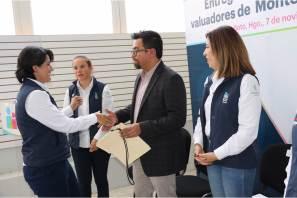 Entregan constancias de certificación a valuadores de Montepío Pachuca3