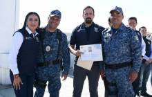 Entregan estímulos y reconocimientos a policías estatales de Hidalgo destacados2