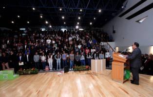 Exponen alumnos de ICBI trabajo académico5