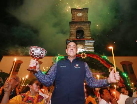 Gobernador Omar Fayad acude al tradicional encendido de velas al Ánima Sola1