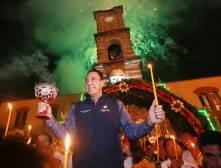 Gobernador Omar Fayad acude al tradicional encendido de velas al Ánima Sola2