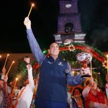 Gobernador Omar Fayad acude al tradicional encendido de velas al Ánima Sola3