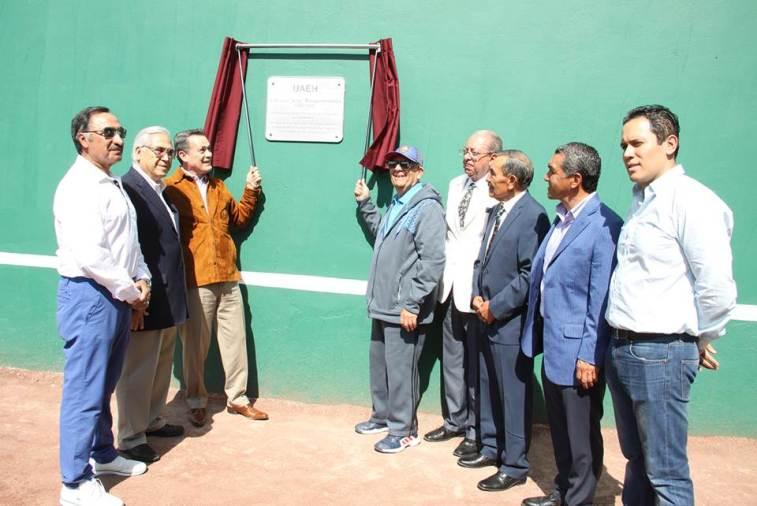 """Organiza UAEH circuito de tenis; reconoce a Luis Méndez """"El Tío"""""""