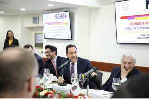 Pide Omar Fayad a sus homólogos del norte del país crear mejores oportunidades de desarrollo
