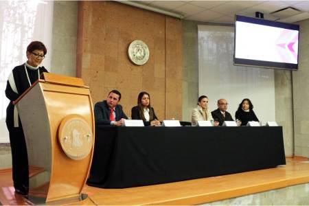 Profesional de la SCJN imparte diplomado sobre derechos humanos