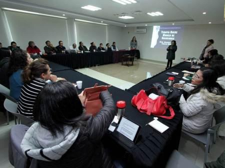 Psicólogos de la UAEH se capacitan en Terapias Breves centradas en soluciones
