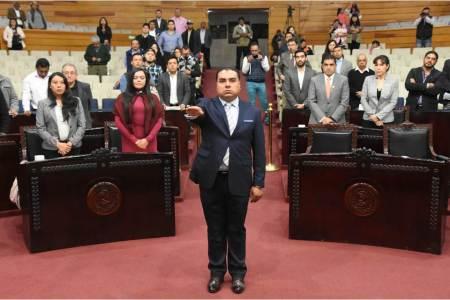 Rinde protesta Abel Luis Roque López como nuevo secretario de Servicios Legislativos