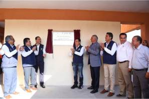 Se entregaron más de 102 mdp para educación en la región de Tulancingo