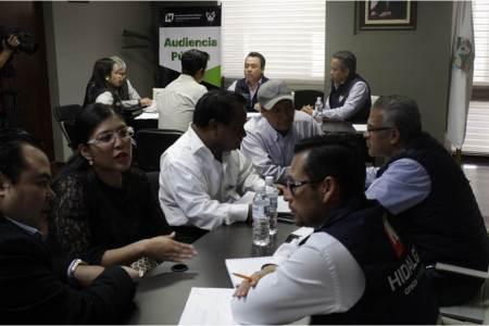 Secretario de SOPOT atiende peticiones de la ciudadanía en audiencia pública