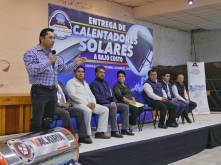 Entrega Mineral de la Reforma más de 370 calentadores solares1