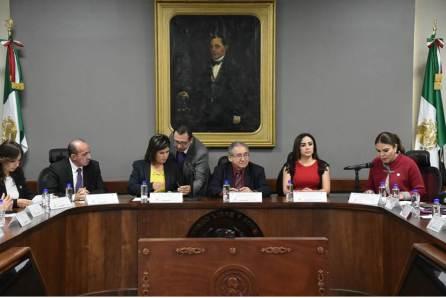 Recibe Comisión de Hacienda y Presupuesto de la LXIV Legislatura Paquete Hacendario 2019-4