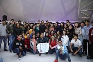 Seguridad y desarrollo que percibe la juventud hidalguense, los motiva a aportar al progreso del estado, Omar Fayad