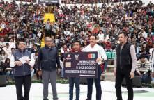 Uno de cada tres estudiantes en Hidalgo cuenta con una beca, Omar Fayad4