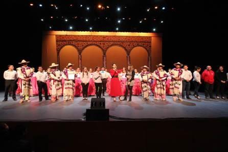 Alegoría y sincronía Michoacana, montaje dancístico universitario2