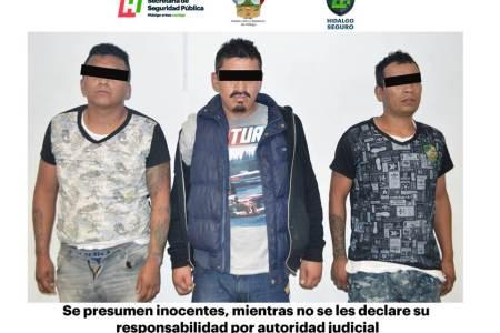 Detienen a tres hombres tras presunto asalto en tienda departamental en Pachuca