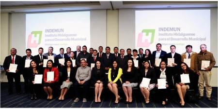 Gobierno de Hidalgo entrega certificaciones a servidores públicos municipales en tercer proceso