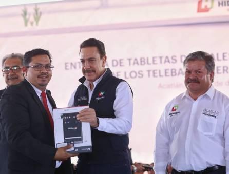 Hidalgo alcanzó cobertura total en la implementación de tabletas electrónicas para bachilleratos1