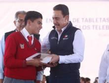 Hidalgo alcanzó cobertura total en la implementación de tabletas electrónicas para bachilleratos3
