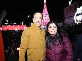 Omar Fayad realiza tradicional encendido del árbol de navidad2