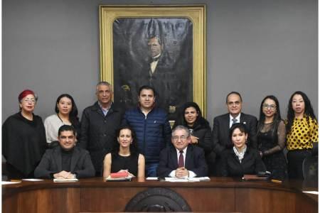 Se reúnen diputados de la LXIV Legislatura local con titular de IEEH