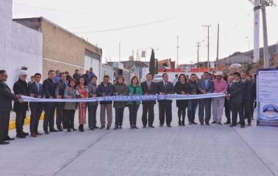 inaugura raúl camacho pavimentación de concreto hidráulico de la calle lauro uranga de la colonia abundio martínez3