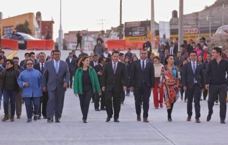 inaugura raúl camacho pavimentación de concreto hidráulico de la calle lauro uranga de la colonia abundio martínez4