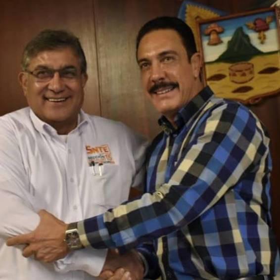 omar fayad sostiene reunión de trabajo con dirigentes del snte1