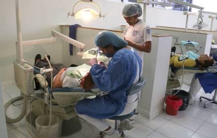 pacientes de odontología agradecen a uaeh por sus servicios3