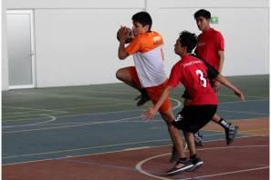 Define handball y luchas asociadas clasificadas para competencia regional