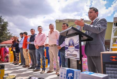 Encabeza Raúl Camacho 5ta entrega de paquetes de herramientas en Mineral de la Reforma2