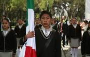 Encabeza titular de SEPH conmemoración del Día de la Bandera y abanderamiento de escoltas2