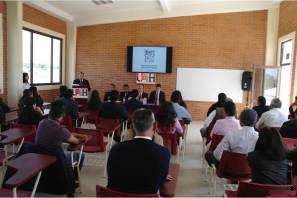 Entrega Gil Chávez segundo informe de Preparatoria Tlaxcoapan