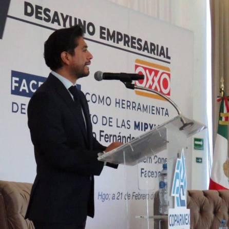 Firman titular de SEDECO y Grupo OXXO convenio para impulsar la comercialización de productos hechos totalmente en Hidalgo2